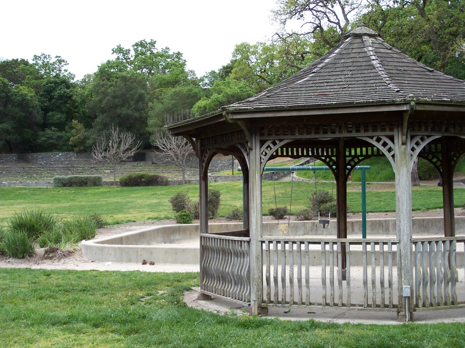 Picture of Hamilton Amphitheater Gazebo