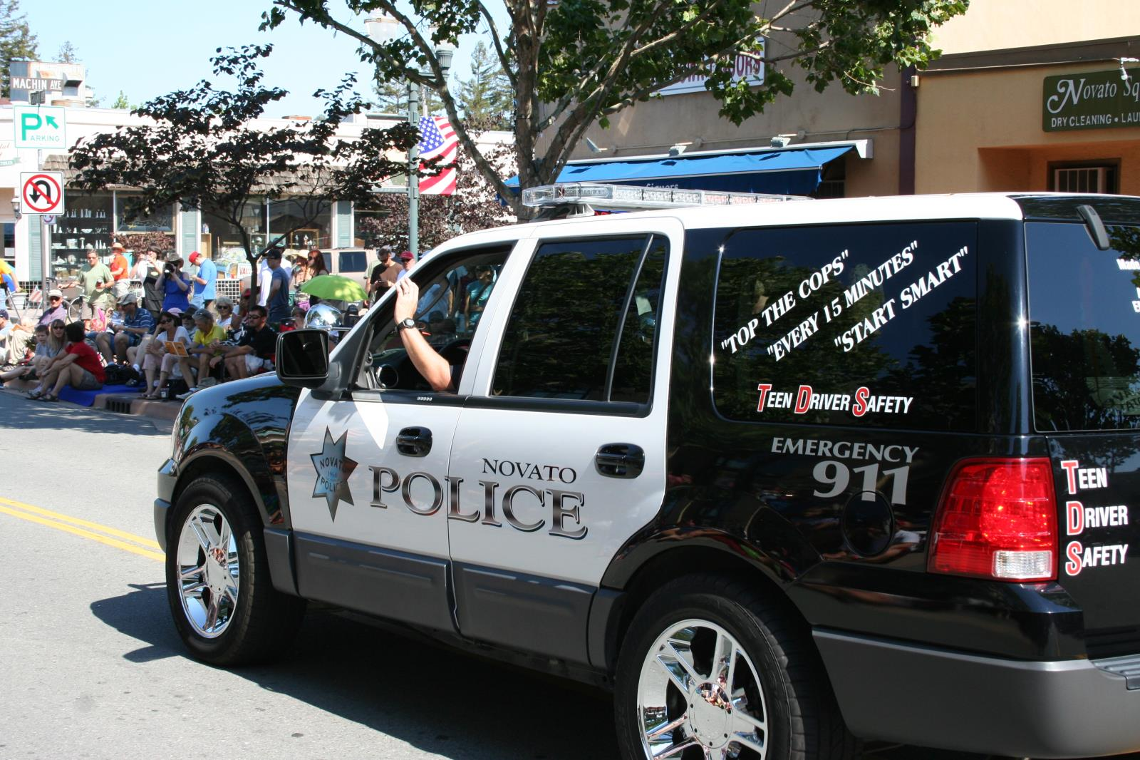 picture of police vehicle in parade